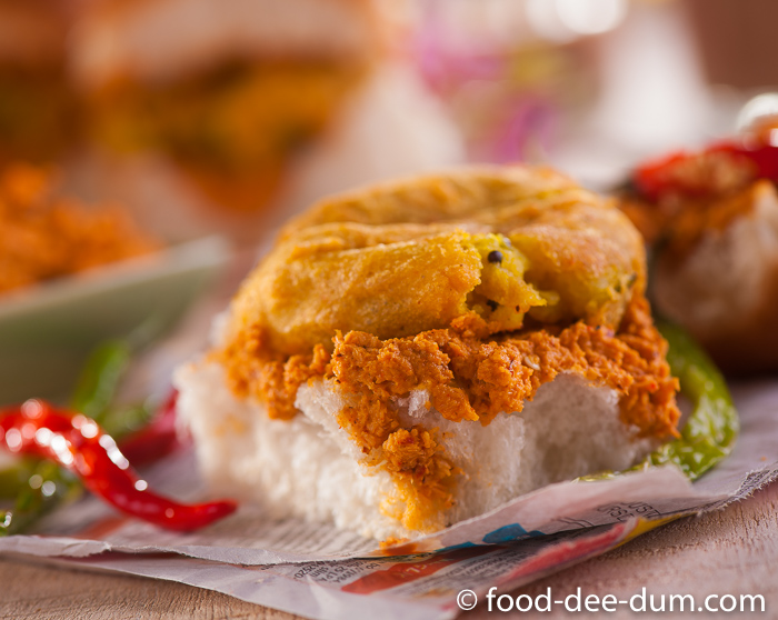 Food-Dee-Dum-Vada-Pav-Recipe-3