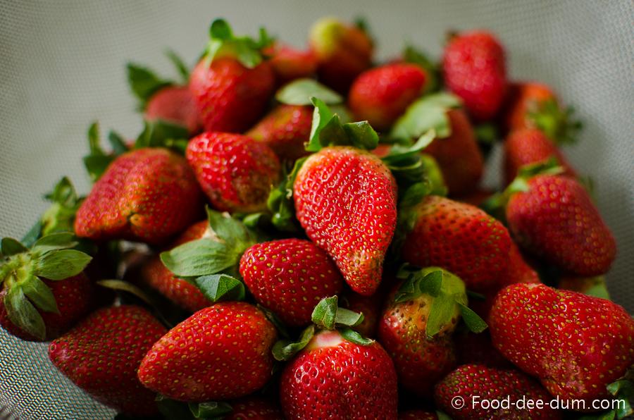 Brown Sugar Cake with White Chocolate Ganache and Strawberries-17