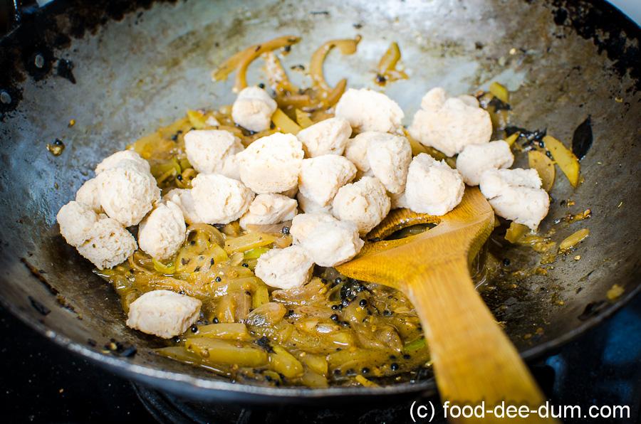 Raw_Mango_Curry_Recipe-15