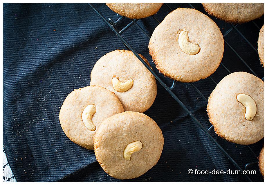 Food-Dee-Dum-Atta-Biscuit-16