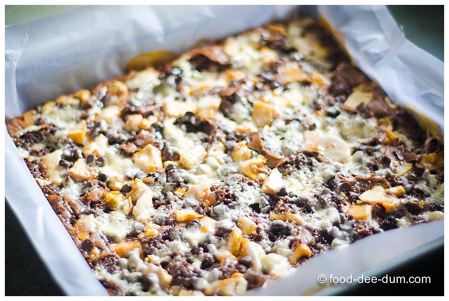 Food-Dee-Dum-Ruggedly-Loaded-Brownies-11