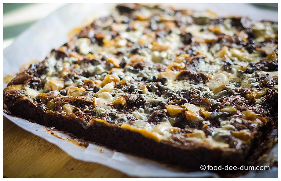 Food-Dee-Dum-Ruggedly-Loaded-Brownies-12